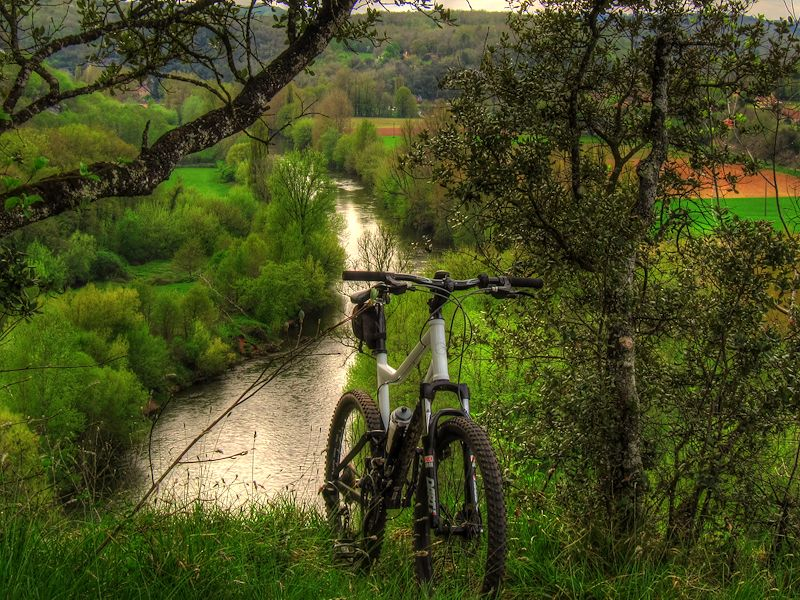 Walking Dordogne MTB